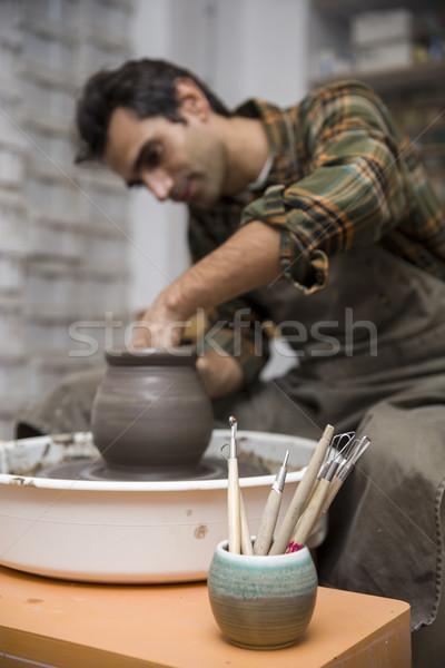 Művész agyag cserépedények pörgés kerék műhely Stock fotó © boggy