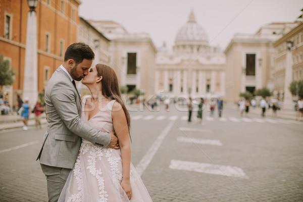 Jonge bruiloft paar kathedraal vaticaan Stockfoto © boggy
