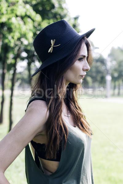 スタイリッシュ 若い女性 公園 夏 日 女性 ストックフォト © boggy