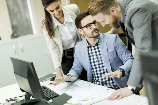 Emberek dolgoznak elfoglalt irodai emberek dolgozik iroda csapatmunka Stock fotó © boggy