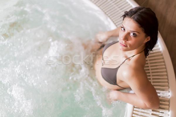 Rilassante vasca idromassaggio donna natura modello Foto d'archivio © boggy