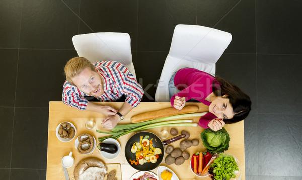 若者 食事 現代 キッチン グループ 男 ストックフォト © boggy