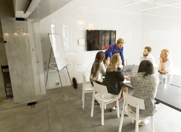 Moderne business team ontwikkelen strategie kantoor Stockfoto © boggy