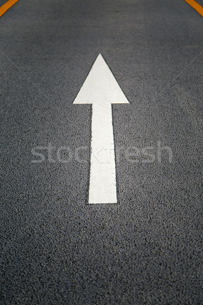 Signo dirección asfalto cerca vista carretera Foto stock © boggy