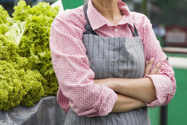 Idős nő saláta piactér kilátás dolgozik Stock fotó © boggy