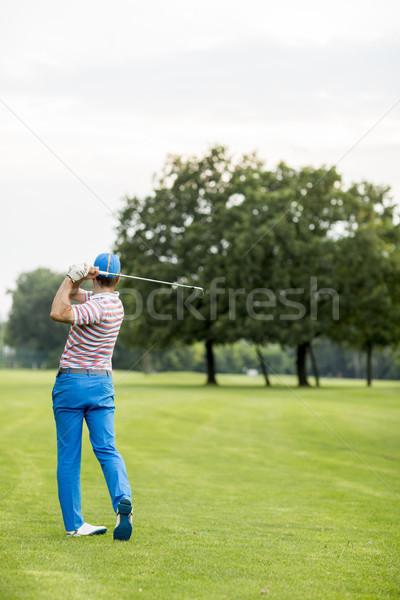 Homem jogar golfe belo campo de golfe Foto stock © boggy