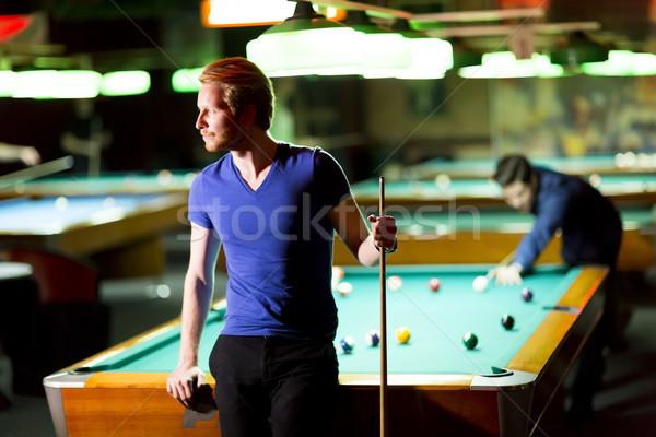 Biliárd portré fiatalember játszik snooker asztal Stock fotó © boggy