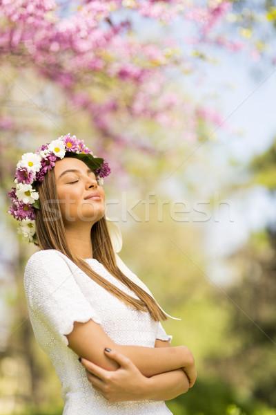 若い女性 花 髪 晴れた 春 日 ストックフォト © boggy