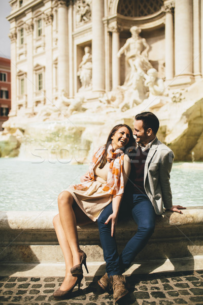 Turista pár utazás Trevi-kút Róma Olaszország Stock fotó © boggy