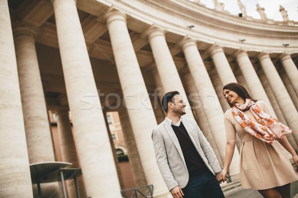 Amoroso casal praça vaticano mulher homem Foto stock © boggy