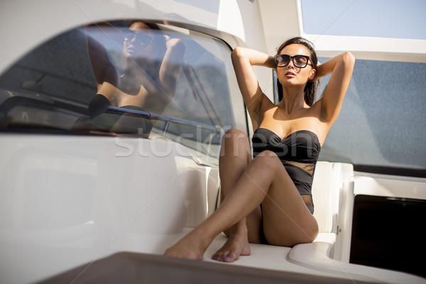 Dość młoda kobieta relaks jacht kobieta Zdjęcia stock © boggy