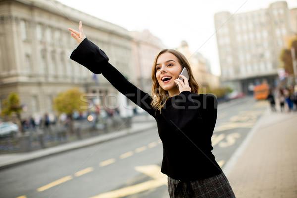 Сток-фото: ждет · такси · автобус · улице · город