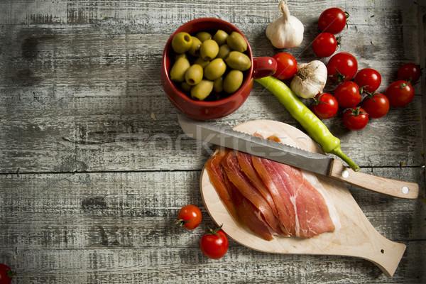 Frische Lebensmittel Tabelle Abendessen Platte Fleisch Mittagessen Stock foto © boggy