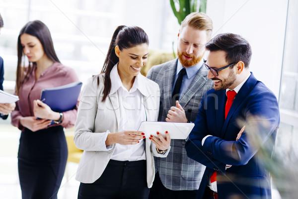 立って 現代 オフィス グループ ビジネス ストックフォト © boggy