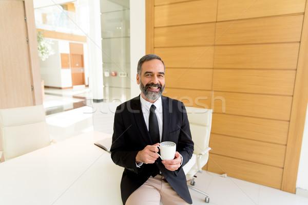 бизнесмен кофе перерыва современных служба Сток-фото © boggy