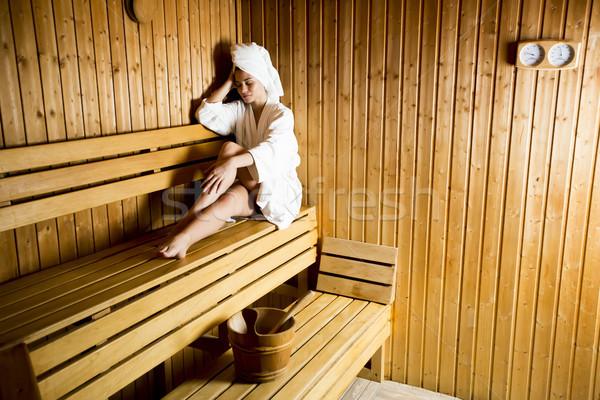 Genç kadın rahatlatıcı sauna spa sağlık Stok fotoğraf © boggy