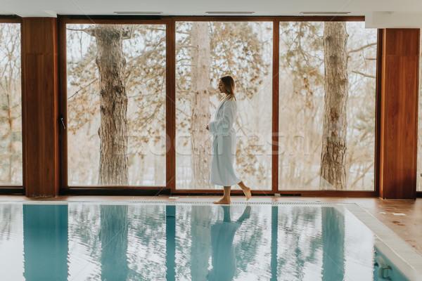 Foto stock: Bastante · mulher · jovem · relaxante · piscina · estância · termal · centro