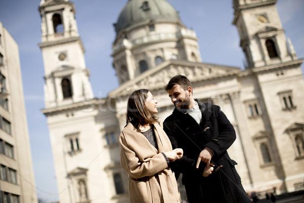 Szerető pár Budapest Magyarország bazilika mögött Stock fotó © boggy