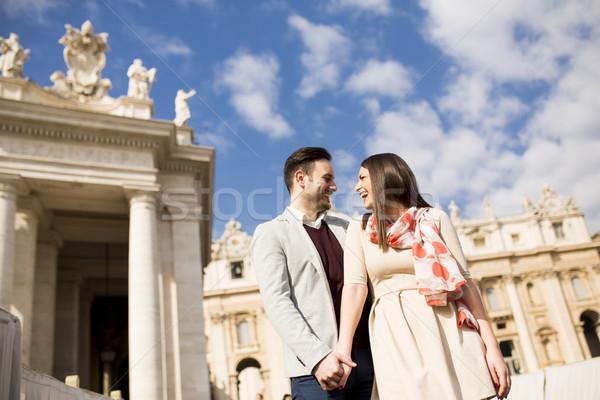 любящий пару квадратный Ватикан Италия молодые Сток-фото © boggy