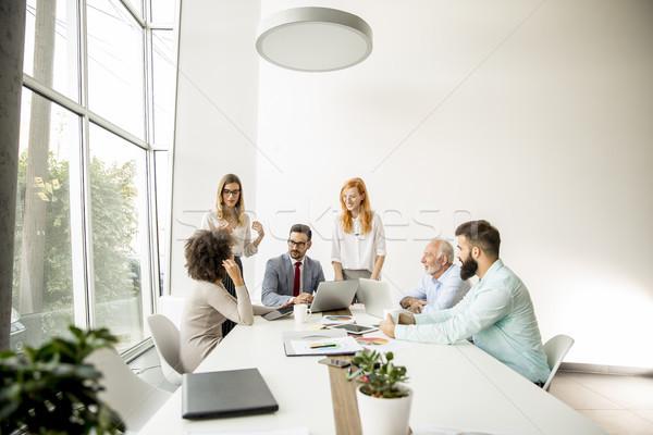 Conferentiezaal werken team vrouw kantoor Stockfoto © boggy