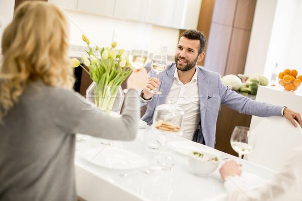 Vergadering keuken drinken witte wijn wijn Stockfoto © boggy