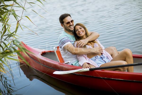 肖像 ロマンチックな カップル ボート遊び 湖 ストックフォト © boggy
