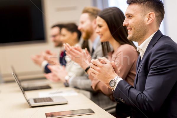 幸せ 笑みを浮かべて ビジネスチーム 拍手 手 会議 ストックフォト © boggy