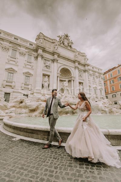 Genç düğün çift trevi Çeşmesi Roma İtalya Stok fotoğraf © boggy