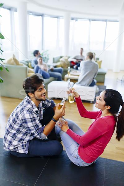 Jongeren leuk home groep partij vrouwen Stockfoto © boggy