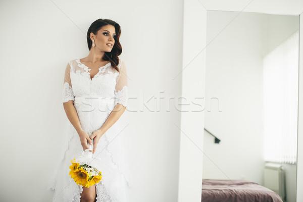 美しい 花嫁 ポーズ ウェディングドレス 小さな ストックフォト © boggy