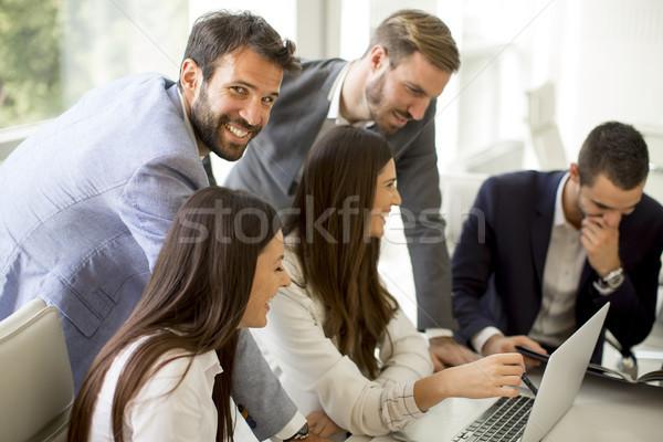 ビジネスの方々  ブレーンストーミング オフィス 会議 現代 女性 ストックフォト © boggy