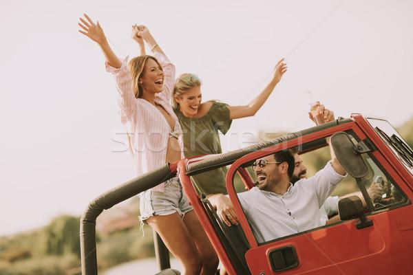 Stockfoto: Gelukkig · vrienden · auto · vakantie · groep