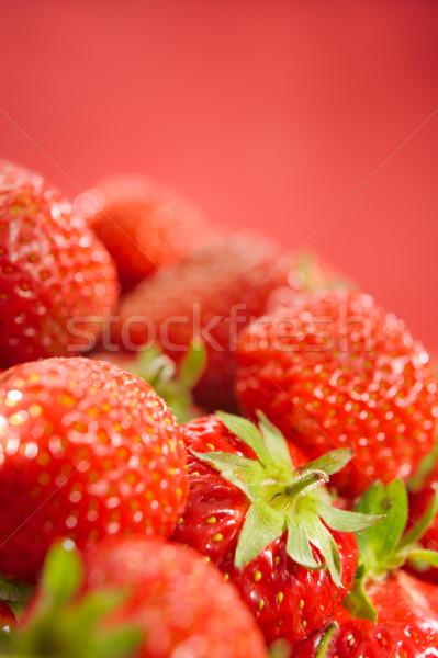 新鮮な イチゴ 垂直 葉 健康 グループ ストックフォト © bogumil