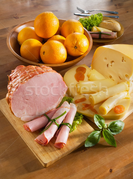Déjeuner jambon fromages pain oranges Photo stock © bogumil