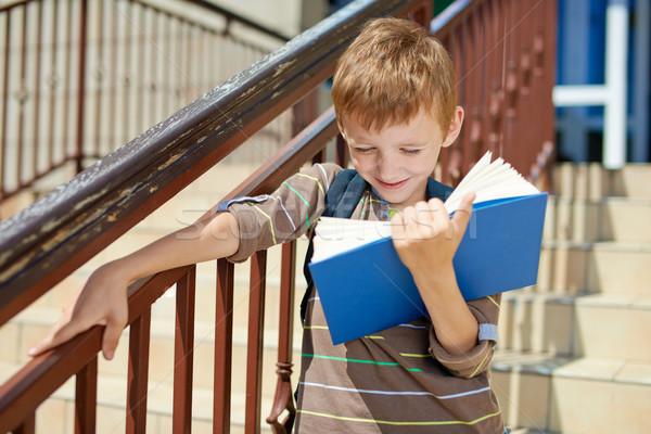 Benim ilk okul ders kitabı mutlu öğrenci Stok fotoğraf © bogumil