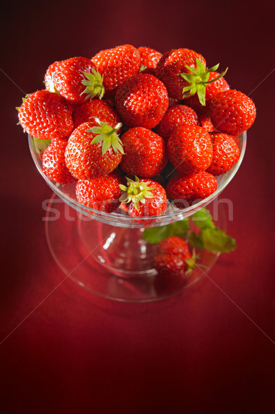 Calice fraises printemps fruits santé fond Photo stock © bogumil