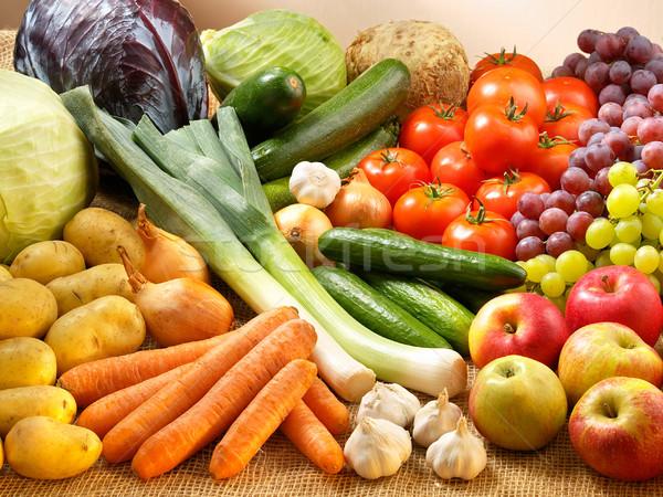 Fruits légumes beaucoup fraîches sac pomme Photo stock © bogumil