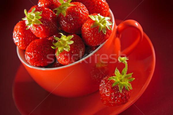 Tasse fraîches fraises rouge été groupe Photo stock © bogumil