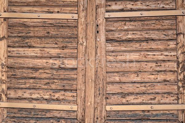 Velho fechado janela vertical árvore Foto stock © bogumil