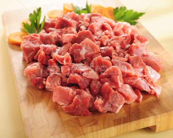 Surowy gulasz wołowy deska do krojenia żywności Zdjęcia stock © bogumil