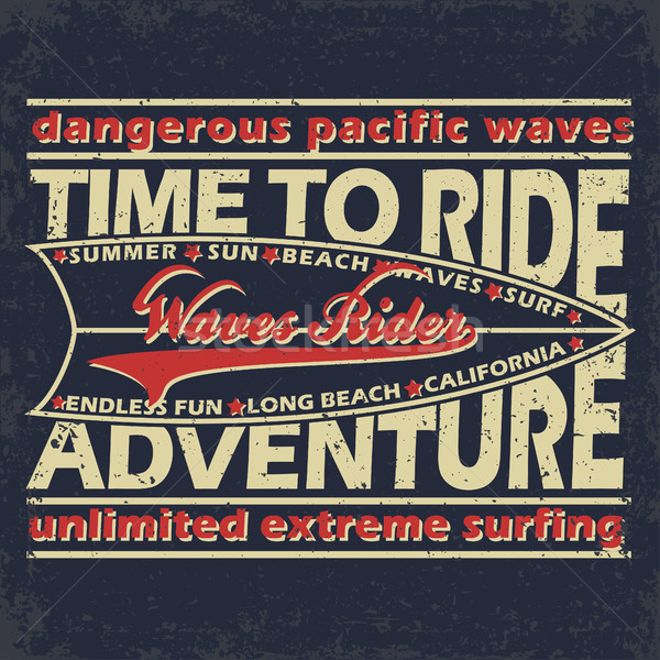 cdfc9ff00a Nyomtatott terv grunge szörfözik póló grafikai tervezés Stock fotó ©  BoogieMan