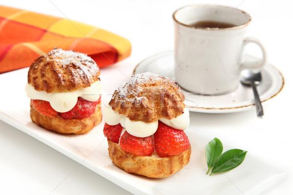 çilek kekler fincan kahve yalıtılmış pasta Stok fotoğraf © borna_mir