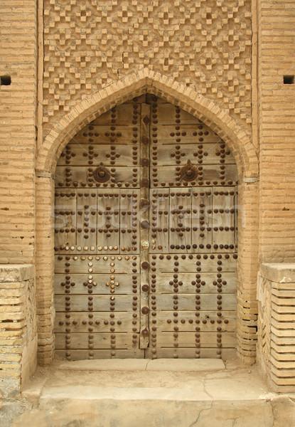 öreg fából készült ajtó kapualj iráni falu Stock fotó © borna_mir