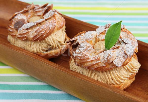 Pasta ahşap plaka kahverengi krem Stok fotoğraf © borna_mir