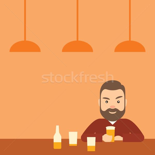 Dronken jonge man drinken bier bar alcoholisme Stockfoto © borysshevchuk
