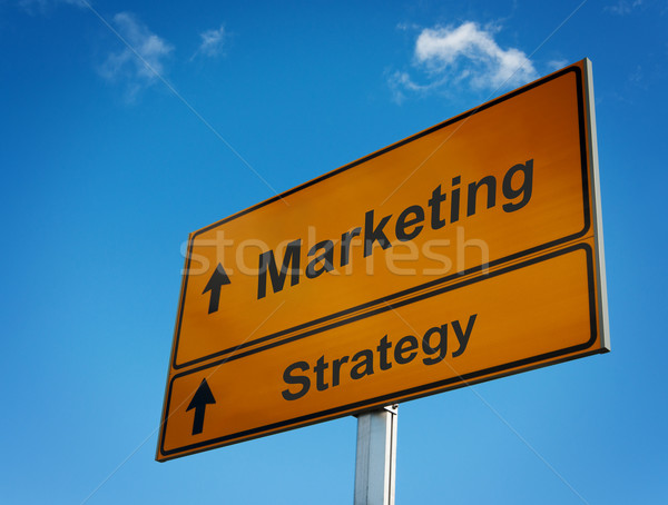 Strategia di marketing cartello stradale business strada nube cartellone Foto d'archivio © borysshevchuk