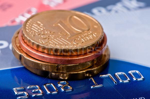 Creditcards hoop munten geld metaal Stockfoto © borysshevchuk