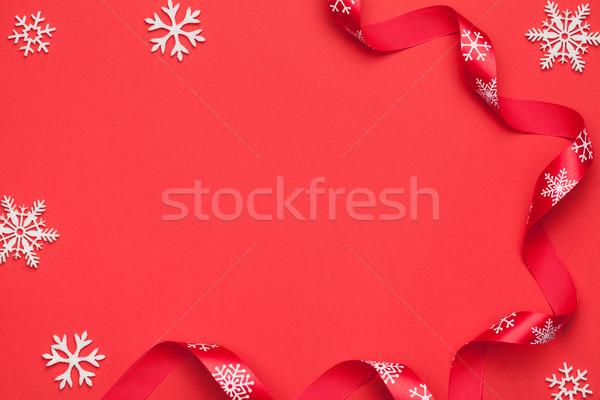Christmas sneeuwvlokken lint Rood papier exemplaar ruimte Stockfoto © Bozena_Fulawka
