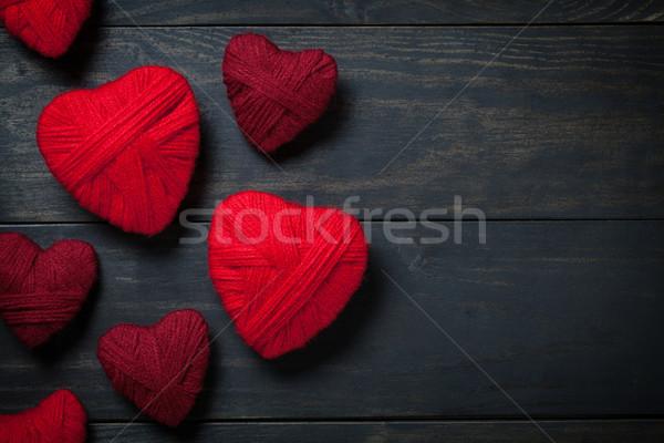 Stok fotoğraf: Sevgililer · günü · kalpler · kırmızı · yün · bo · üst