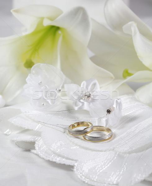 Weiß Hochzeit Still-Leben Ringe Blume Kirche Stock foto © brebca